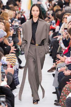 Céline at Paris Fashion Week Spring 2018 - Runway Photos