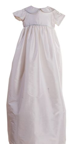 Marlborough Christening Gown #classicchristeninggown #christeninggown #silkchristeninggown #boysgowns #christeningboysoutfit    http://www.suehillchildrenswear.com/christening-baptism/boys-christening-outfits-rompers-gowns/girls-boys-silk-christening-gown-marlborough.html
