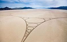 Zeichnungen auf dem Sand http://kunstop.de/zeichnungen-auf-dem-sand/ #Zeichnungen #Sand
