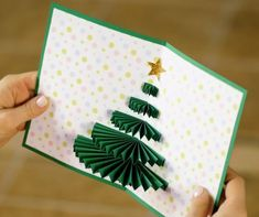 Greeting cards: 25 ideas for making one yourself Creative Christmas Cards, Christmas Crafts For Gifts, Xmas Cards, Christmas Projects, Christmas Diy, Greeting Cards, Diy For Kids, Crafts For Kids, Pop Up Cards