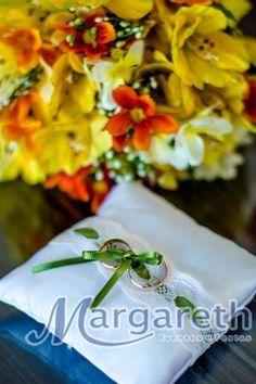 ♥♥♥  CASO REAL: O casamento econômico da Natália e do Marcos Hoje é dia de Caso Real econômico pra inspirar vocês, ein? Além de uma lindeza que nos deixou de queixo caído, o casório da Natália e do Marcos... http://www.casareumbarato.com.br/caso-real-o-casamento-economico-da-natalia-e-do-marcos/