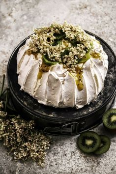 Twigg studios: pavlova with kiwi lime curd and elderflower cream ჱ ܓ ჱ ᴀ ρᴇᴀcᴇғυʟ ρᴀʀᴀᴅısᴇ ჱ ܓ ჱ ✿⊱╮ ♡ ❊ ** Buona giornata ** ❊ ~ ❤✿❤ ♫ ♥ X ღɱɧღ ❤ ~ Sat Feb 2015 Just Desserts, Delicious Desserts, Dessert Recipes, Yummy Food, Salad Recipes, Meringue Pavlova, Meringue Food, Macaron, How Sweet Eats