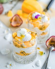 Arkiruokavinkki: Pinaattivohvelit (G) | Annin Uunissa Most Delicious Recipe, Churro, Panna Cotta, Mango, Gluten, Yummy Food, Table Decorations, Ethnic Recipes, Manga
