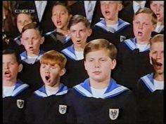 """Coral """"Meninos Cantores de Viena (1962). Todos provenientes de Sheba (gradual)…"""