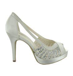 Zapato de novia en satín con pedrería de Menbur (ref. 6477) Satin bridal shoes by Menbur (ref. 6477)