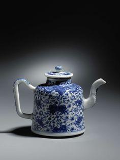 Kleine theepot, blauw-wit, anoniem, 1700.