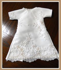 Such a sweet heart this woman has to make gowns for baby's that pass all too soon. Angel Gowns by Michelle