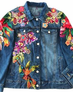 54 Ideas Embroidery Denim Jacket Diy For 2019 Painted Jeans, Painted Clothes, Embroidered Clothes, Embroidered Jacket, Denim Jacket Embroidery, Denim Kunst, Gilet Jeans, Jacket Jeans, Mode Jeans