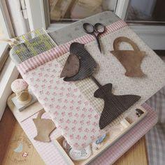 l'atelier perdu blog: Quilt Me Club 2018 : A Cart for Pauline Space Crafts, Blog, Kids Rugs, Quilts, Embroidery, Cart, Sorbets, Applique Ideas, Motifs
