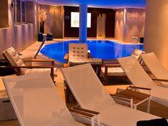 Wellness im Hotel Salzburger Hof Bad Gastein, Sauna, Outdoor Furniture, Outdoor Decor, Sun Lounger, Conference Room, Table, Home Decor, Vacations