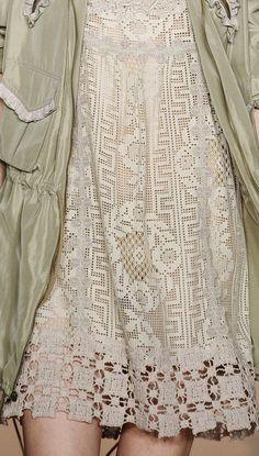 Филейные платья от Anna Sui spring 2011. Обсуждение на LiveInternet - Российский Сервис Онлайн-Дневников