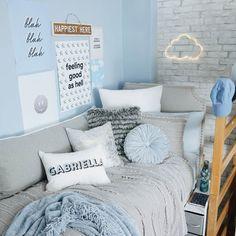 Elegant bedroom rug ideas and design Room Ideas Bedroom, Home Decor Bedroom, Bed Room, Master Bedroom, Bedroom Furniture, Comfy Bedroom, Bedding Decor, White Bedroom, Girls Bedroom