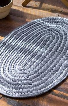Infinity Rug....This crochet mat is an intermediate level, but don't let that scare you!  The directions are easy to follow.  This mat would be great in a kitchen, bathroom, or living room.