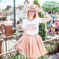 Rose Gold everything! Love this look for exploring the parks! Disne y Style I Disney Outfit I Disney Outfit Inspiration I Park Style I Wear to Disney