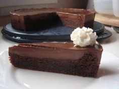 Rychlý čokoládový dort: Jednoduchý extra čokoládový dort, který se rozplývá na jazyku …