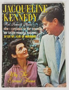Jackie Kennedy Style, Jacqueline Kennedy Onassis, John Kennedy, Kennedy Wife, Star Pictures, Personal Photo, The Ordinary, Reading, My Love