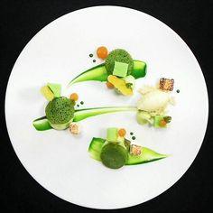 The Pandan Serabi Pandan Pancake | Pandan Cream | Coconut Marshmallow | Mango Fluid | Es Puter | Dry Mango Chips #eakusumah #foodphotography #plateddesserts #dessertporn #dessertmasters #chef #chefsofinstagram #chefstalk #foodphotographer #foodie #foodporn #foodgasm #foodpics #gastroart #foodartchef #gourmetartistry #theartofplating #passion #artwork #plateddessert #moderndessert #jakartafoodies #luxury #deinteres #culinaryartist #expertfoods #instagramfood #instagood