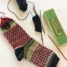 Knitting yarn - Advent offer ♥ Instructions No 2 + wool package - a designer piece . Knitting yarn – Advent offer ♥ Instructions No 2 + wool package – a unique product by Stine-u Fair Isle Knitting, Knitting Socks, Baby Knitting, Stine Und Stitch, Free Crochet, Knit Crochet, Lots Of Socks, Baby Boy Booties, Colorful Socks