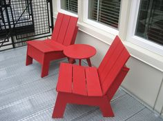 Picket armless outdoor lounge chairs. Available in 10 colors.