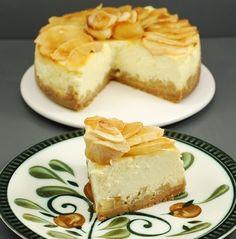 Creo que cuando empezamos con Marhya este Reto Tarta de Manzana, una de las primeras ideas que se me acudió fue una tarta de queso con manzana. Pero entre una cosa y otra, no me puse manos a la obra y otras tartas de manzana salieron a la luz. Antes de...