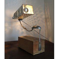 Lampe design récupération Thèse | Offrez une lampe design récupération signée Nina imagine pour vous.