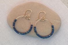 Easy to make wire and bead hoop earrings: Make a pair of beaded earrings for every day of the week