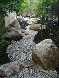 Beautiful stone river... Shared from Ryushi Kojima