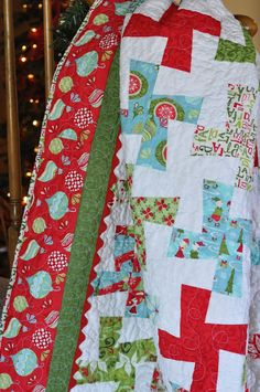 My Rainboots Are Red: :: Christmas Quilt. Wild Thing with Kate Spain fabric.