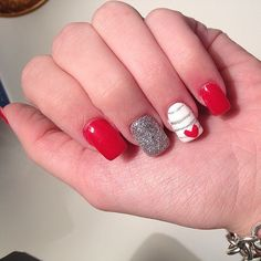 Get inspired by the best Valentine's Day nail art of Instagram! Source: Instagram user sami_niicole