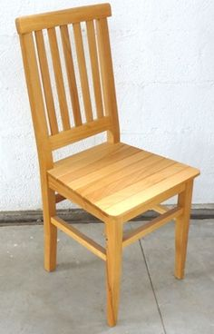 Woodworking Projects That Sell Info: 3144432754 Wooden Dining Chairs, Kitchen Chairs, Wooden Tables, Dining Furniture, Pallet Furniture, Simple Dining Table, Dinning Set, Wooden Main Door Design, Chair Design Wooden