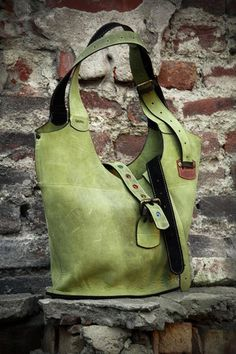 Large Handbags, Purses And Handbags, Sac Michael Kors, Sac Week End, Teacher Tote, Personalized Gifts For Her, Womens Purses, Green Leather, Natural Leather