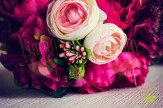Sipariş Kodu: LMN41P Gelinlerin en favori rengi pembe! Pembenin en güzel tonları şakayık, çay gülleri, ortanca ve Limon dokunuşuyla bir araya geldi! info@limonfotogra... #gelin #gelinciceği #buket #dugun #wedding #bride #bridal #bouquet #tasarim #design #style #pembe #pink