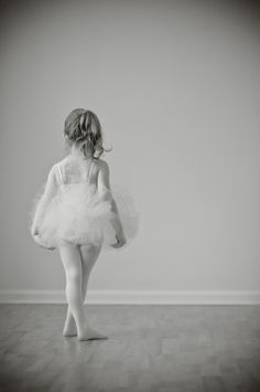tutu portrait - toddler ballet ballerina photography