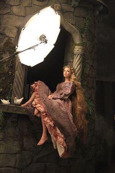"Taylor Swift As Rapunzel In New ""Disney Dream Portrait"" by Annie Leibovitz For Disney Parks"