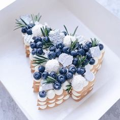 Merry Christmas my friends!🎁🎅 I wish you a peacful holidays with delicious cake!🍰 - Here is Christmas tree cake for inspiration!☺ - Who would love to receive this cake on Christmas?🤔 - FREE recipes in bio link Christmas Tree Cake, Christmas Desserts, Christmas Treats, Christmas Baking, Merry Christmas, Christmas Cookies, Tree Cakes, Number Cakes, Xmas Food