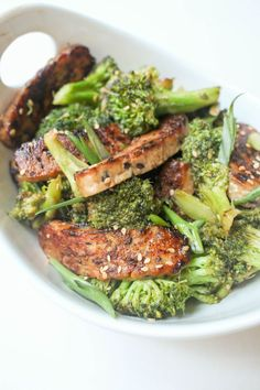 Inspired by pandas beef and broccolli this vegan tempeh and broccoli stir f Broccoli Stir Fry, Broccoli Recipes, Veggie Recipes, Whole Food Recipes, Dinner Recipes, Family Recipes, Dinner Ideas, Tempeh Recipes Vegan, Vegetarian Recipes