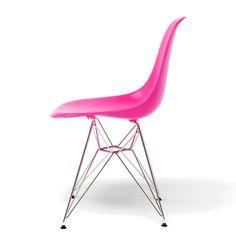 A Cadeira Bora Rosa Betili é super confortável, o assento é produzido em polipropileno com pernas de metal. Contato (11) 2866-0209 contato@betili.com.br
