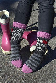 Ravelry: Hasta la vista pattern by Lumi Karmitsa Fair Isle Knitting, Knitting Socks, Foot Warmers, Ravelry, Knitting Patterns, Inspiration, Night, Cats, Design