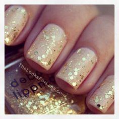 {NAIL ART ADDICTION} Nude + Glitter nails