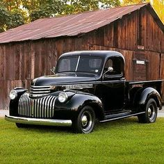old trucks chevy 1946 Chevy Truck, Vintage Chevy Trucks, Antique Trucks, Chevrolet Trucks, Gmc Trucks, Cool Trucks, Chevy 4x4, Vintage Cars, Lowrider Trucks