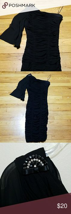 Sheer gauzy one armed bandit! Beautiful dress for your night out.  Very stretchy and form fitting.  In excellent condition. Signature by Sangria Dresses