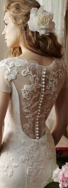 Lace wedding dress with vintage buttons running down the back:: vintage bridal :: vintage wedding:: 40s inspired wedding gown