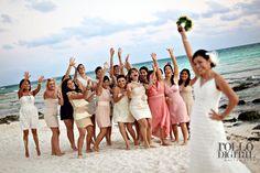 beach wedding - boda en la playa - bride - novia - bouquet