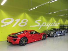 Production of the Porsche 918 Spyder