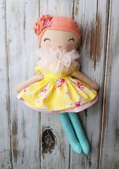 Fabric Doll by SpunCandy Etsy shop miss-ivy-doll-ready-to-ship-spuncandy Rag Dolls, Fabric Dolls, Girl Dolls, Homemade Dolls, Homemade Gifts, Dolly Doll, Crafts To Make And Sell, Bear Doll, Sewing Dolls
