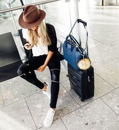 46 Flattering Airport Fashion Outfits to Travel in Style