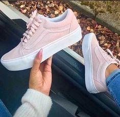 54 Trendy Ideas For Sneakers Vans Men Footwear Vans Old Skool, Sneakers Fashion, Fashion Shoes, Shoes Sneakers, Shoes Heels, High Heels, 90s Fashion, Light Pink Sneakers, Fashion Outfits