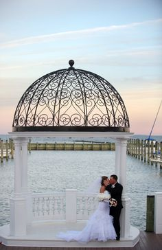 Chesapeake Beach Resort & Spa - At our romantic wedding resort, every reception is customized to match the vision of your special day with spectacular views of the Chesapeake Bay. Our bay front ballrooms offer a magical setting for an elegant reception, and afford numerous opportunities for memorable photos.