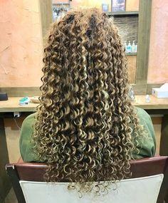 Perms, Hairstyle Look, Permed Hairstyles, Curly Blonde, Hair Inspiration, Beauty Makeup, Curly Hair Styles, Dreadlocks, Perm Hairstyles