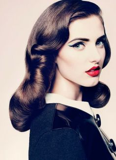 Iconic Beauty : CatEye and Red Lips Combo look !